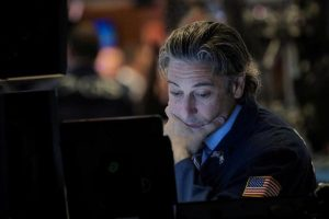 Wall Street s'affaiblit, l'accord commercial Chine-Etats-Unis patine …